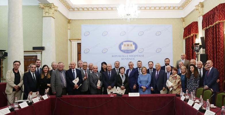 Nënshkruhet marrëveshja e bashkëpunimit ndërmjet Universitetit të Mjekësisë, Tiranë dhe Kuvendit të Shqipërisë